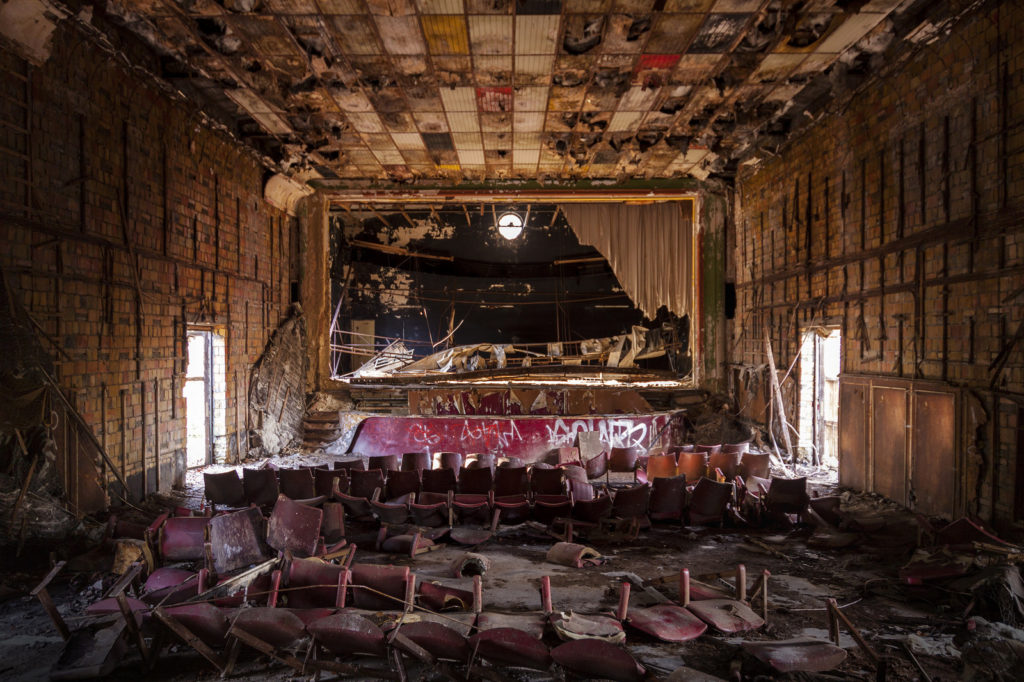 A picture of an old, destroyed movie theater.